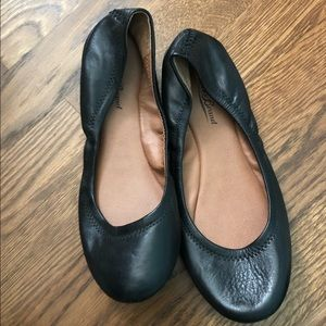 Lucky brand black leather flats